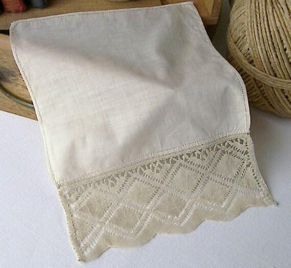 Vintage Lace Edged Handkerchief, Antique Handkerchief, Cream Lace Edged Handkerchief