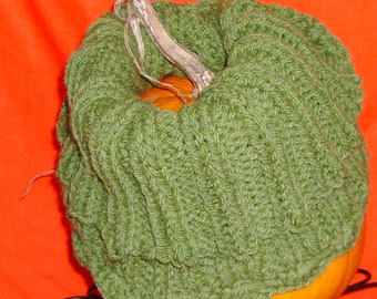 ENTWINED, Chunky Cowl, Hand Knit, Original Design, Wool Blend, Cable Knit, Infinity, Neck Warmer, Grass green, Crochet Edge