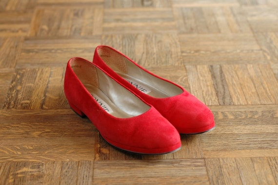 20% OFF SALE / vintage shoes / red suede flats / size 7