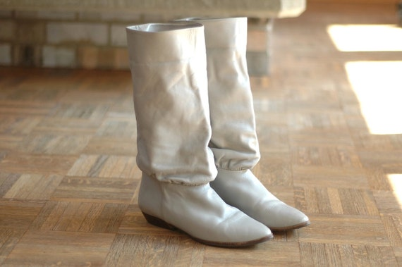 vintage grey leather boots / size 8