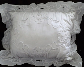 REDUCED-Vintage Embroidered Pillow