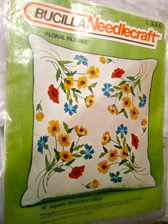 Bucilla Crewel embroidery pillow decorator  16 inch square KIT