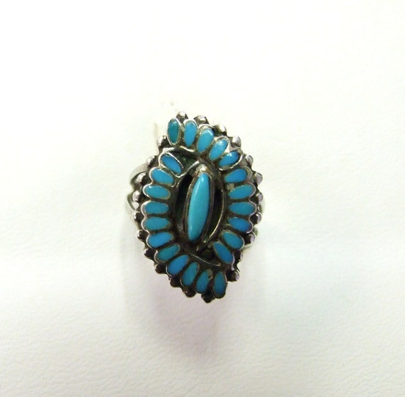 Lovely Zuni Turquoise sterling silver ring, beautiful detail, Native American / hand made / vintage, Elipse, evil eye talisman