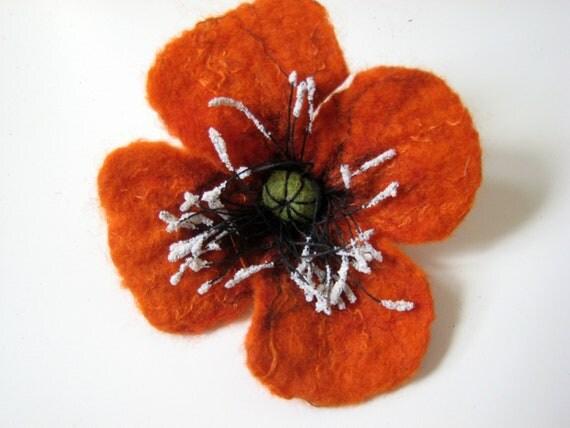 Felted brooch merino wool - red-orange - The poppy flower made to order