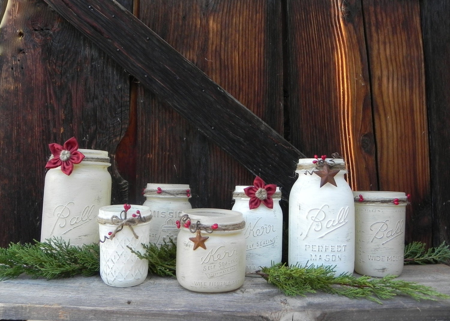 Shabby chic christmas theme set of mason jars candle for Country chic christmas