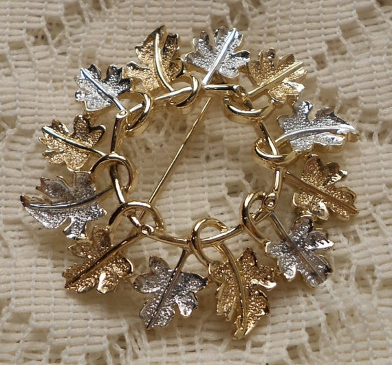 Vintage Sarah Coventry Garland Brooch