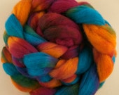 Hand-dyed Haunui New Zealand Halfbred 23-24 micron combed wool roving (tops) - 100gr (approx 3.4oz) Barrier Reef over natural Light Grey