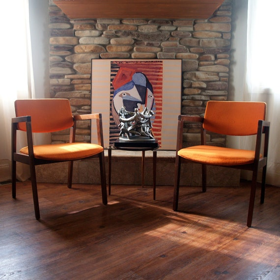 MID CENTURY MODERN Chair Burnt Orange Danish Modern Style Side, Desk, Accent, Dining Armchair Walnut Teak Wood Mid Century Modern Furniture