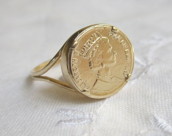 Gold coin Ring, Coin ring,  Vintage ring, Signet ring, statement ring, 14K gold filled ring, Queen Elizabeth's coin ring, retro ring