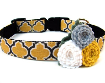 """Yellow Dog Collar 3/4"""" Wide Yellow Honeycomb Complete with Felt Flower"""