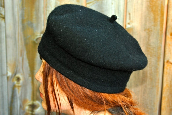 Wool beret, black, classic chic, womens small to medium, vintage