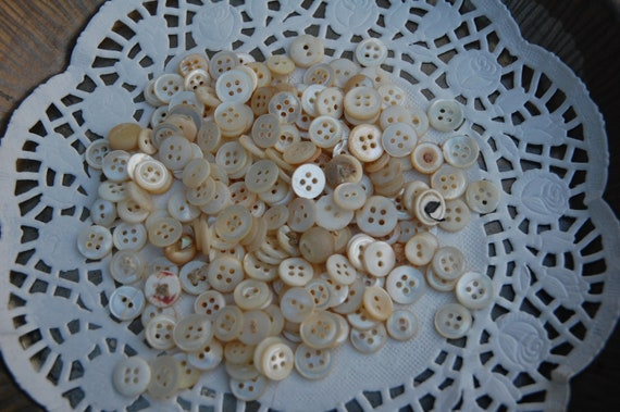 Small Mother of Pearl Vintage Buttons 225
