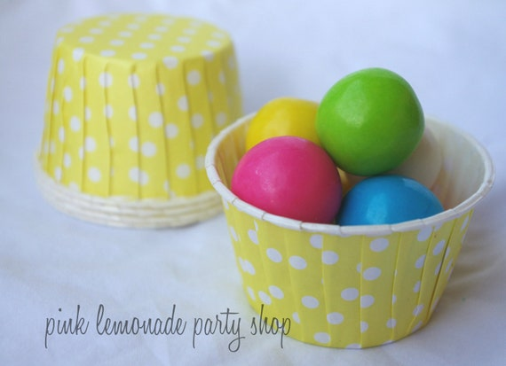 Yellow PoLkA DoT NuT/CANDy/PoRTiON CuPS-Gumballs, Snacks, Nuts, Cupcakes-Birthday Parties-Showers-25ct