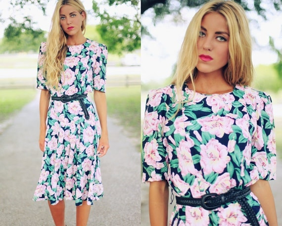 Vintage 1980's Hawaiian Print Colorful Floral Day Dress