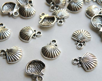 10 Shell charms antique silver 15x12mm DB03166