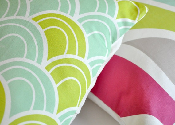 Magenta, Green and Aqua Wave 16x16in Removable Pillow Cover