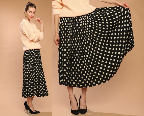 black midi skirt // cream polka dots // vintage 80s // flowy