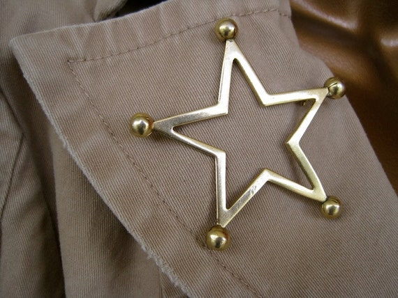 Sheriff Star Brooch: Signed Sandor Vintage 70s Golden Minimalist Western Law Badge