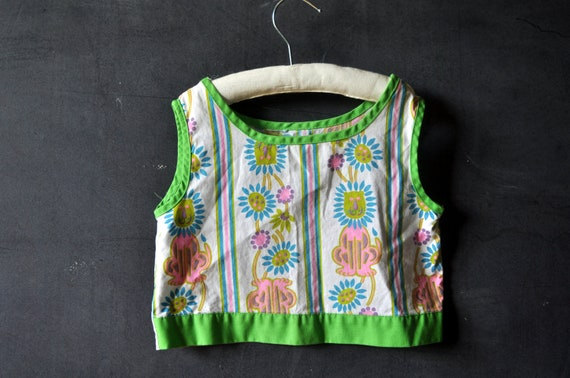 vtg two piece summer fun set, bright colors, fun lion prints, green, blue and pink, girls size 2-3t