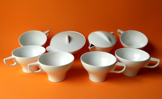 Space age coffee cups, creamer, sugar bowl - mod vintage set from Mallory