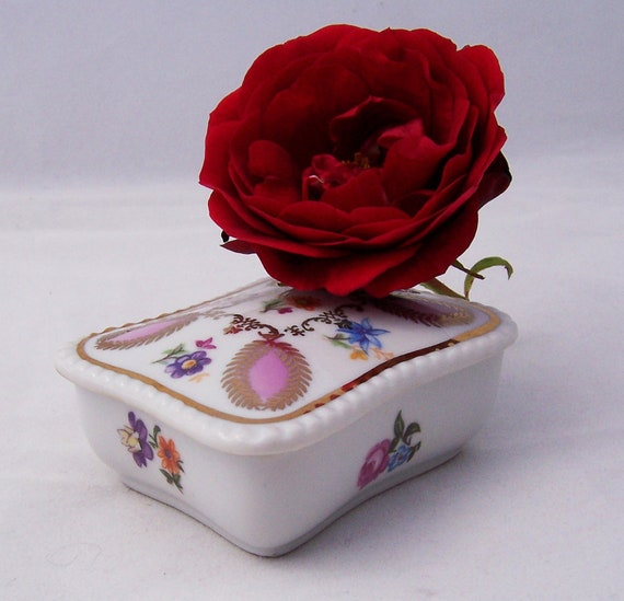Vintage Porcelain Trinket Box, Dresden Trinket, Box, German Trinket box