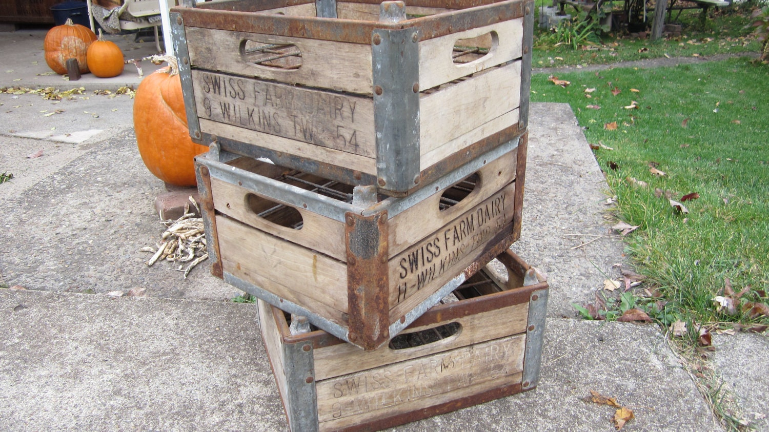 antique wood milk crate wooden box metal cage primitive crate. Black Bedroom Furniture Sets. Home Design Ideas