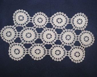 Lovely vintage LACE RUNNER Hand Crochet  Lace Decorate Table Buffet Dresser Perfect Gift