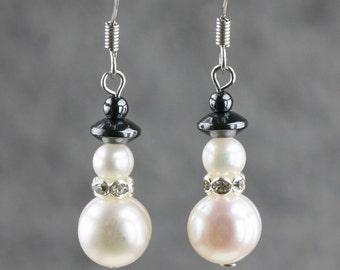 Christmas snowman pearl drop earrings Free US Shipping handmade anni designs