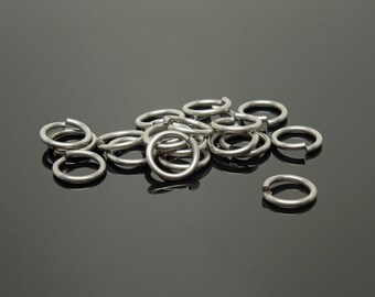 9mm OD 18G Stainless Steel Jump Rings (100)