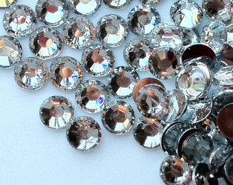 4 mm High Quality 14 Faceted Cut Resin Rhinestone Clear Diamond (.mmt)