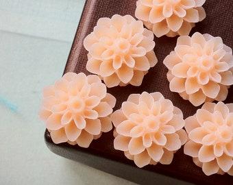 16 mm Peach Colour Resin Dahlia Flower Cabochons (.am)