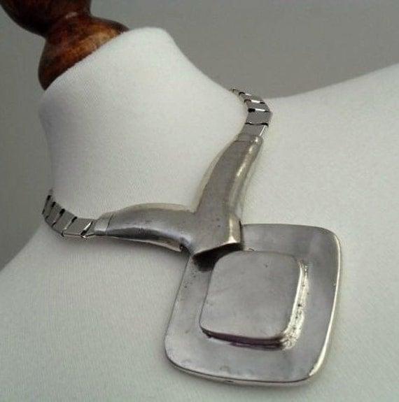 The Silver Modernist . Unique Design . Silver Toned . Heavy Metal . Necklace 1980s NOS