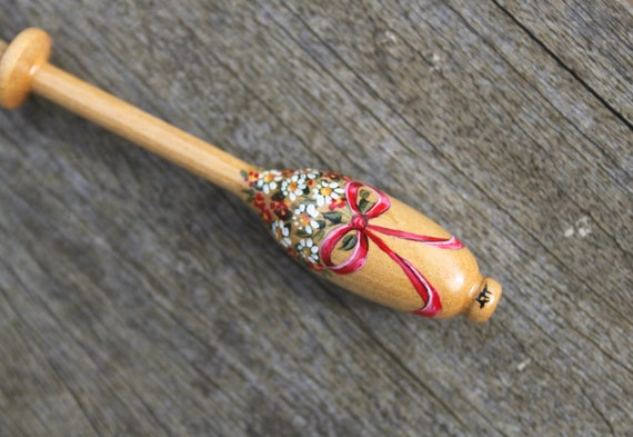 Painted Bruge Lace Bobbin - bouquet of daisies and red flowers