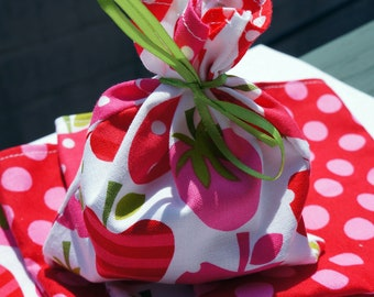 Festive TREAT Bags Goodie Bags Gift Bags set of 6 Strawberries and dots