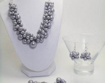 Gray Pearl Jewelry Set,  gray chunky necklace, grey pearl bracelet, gray pearl necklace, grey bridal jewelry, cocktail parties.