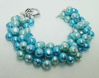 Turquoise and Aqua Pearl Cluster Bracelet with Crystals. Bridal gift, Bridesmaids Party, Wedding bracelet, Bridal Jewelry, Cocktail Party