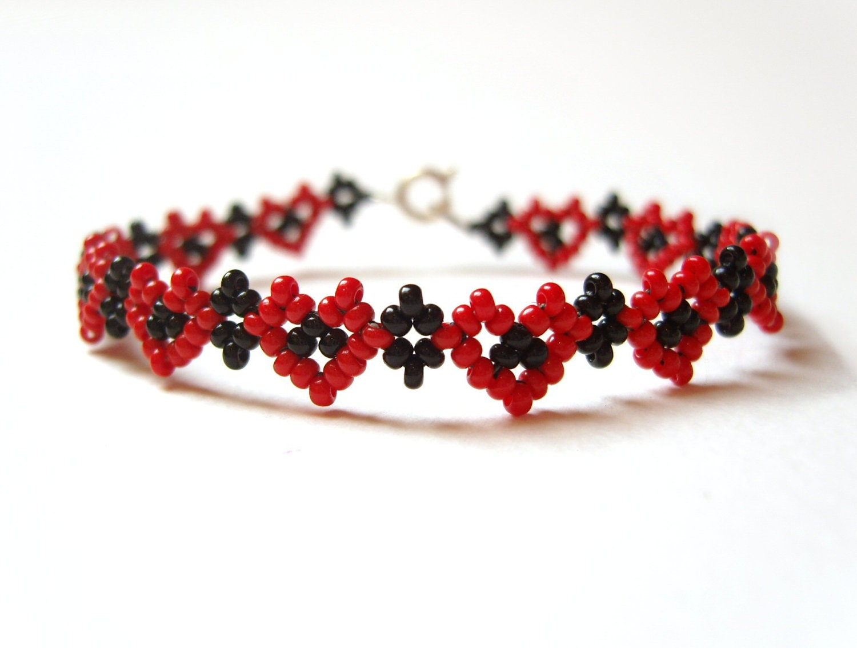 Love Heart Bracelet Seed Bead Friendship Bracelet Red and