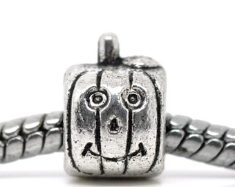 SALE 8 Pumpkin Beads - Antique Silver - Pumpkin With Smiley Face - 10x7mm - Ships IMMEDIATELY from California - B267