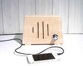 Little wooden MP3 speaker