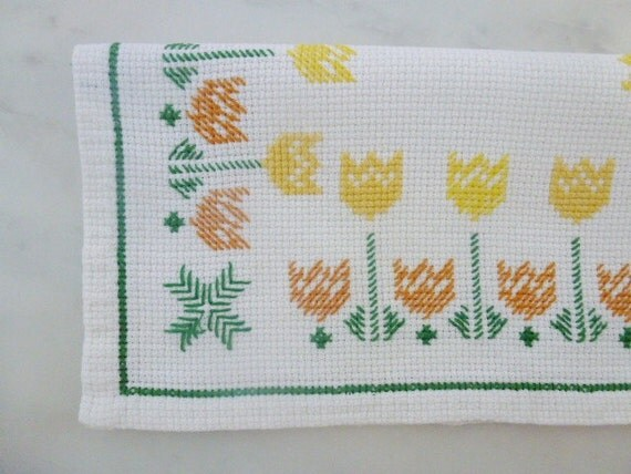 ON HOLD ///// Vintage Swedish tablecloth / Small cross stitch tablecloth