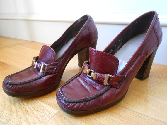 RESERVED - vintage DISTRESSED heeled loafers oxblood - sz 6