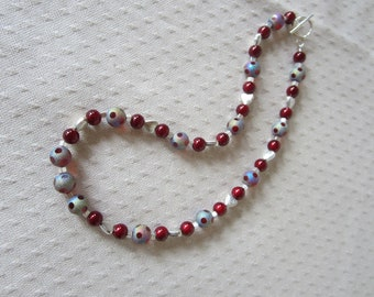 Cranberry Beaded Necklace With Silver Hearts