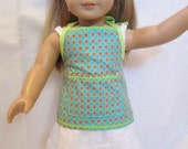Doll apron that ties in the back