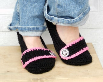 black with pink slippers, crochet slippers, womens slippers, crochet booties, crochet socks, winter slippers, warm slippers, button slippers