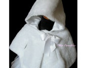 White capelet of soft Faux Fur for baby girl, girls Riding Clothing hooded cape for little girl, Baptism, Christening, Christmas, wedding