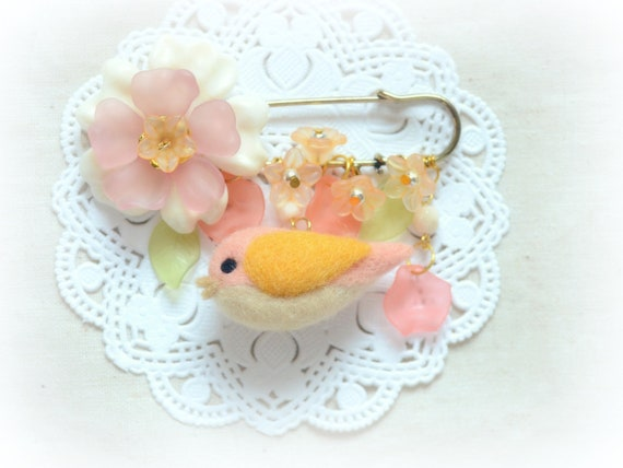 Needle felted bird with flowers pin / brooch , pink and orange color, tt team, whimsical accessories