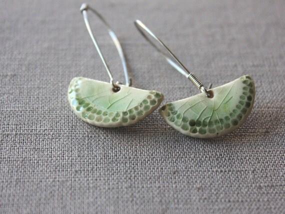 Dangle earrings in pastel green - handmade ceramic