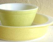 Pair of Vintage Pyrex Bowls Sunshine Yellow and Lemon Yellow - SALE