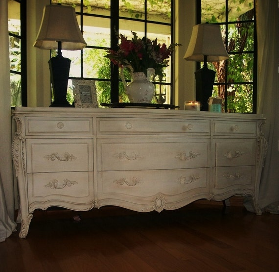 Exquisite French Provencial Chest Of Drawers( On Hold For Brooke)