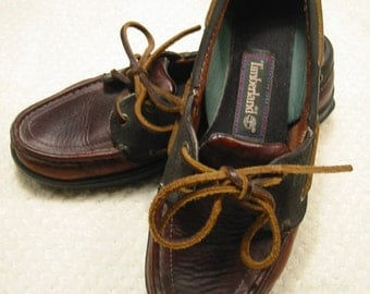 vintage womens classic/traditional black and brown leather Timberland boat/deck shoes. . . size  6  1/2 M